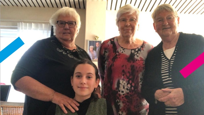 """Kirstin (13) spreekt oudtante Annie (82) over vroeger: """"Ongesteld zijn moest in het geheim"""""""