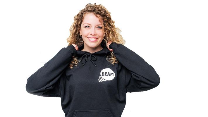 ACTIE: Zwarte BEAM-trui (nieuw!) voor 15 euro inclusief verzenden :)