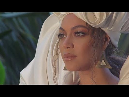 KIJKEN: Beyoncé vertelt het verhaal van Mozes in haar nieuwe clip voor 'Otherside'